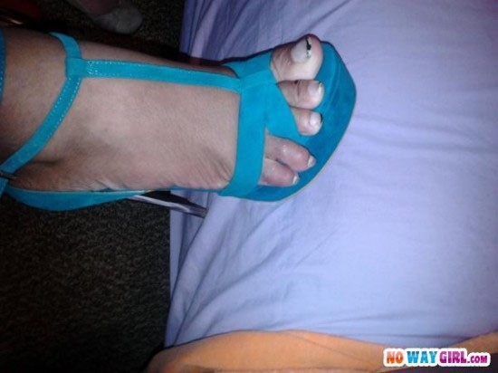 these-toes-aint-loyal-02-550x412