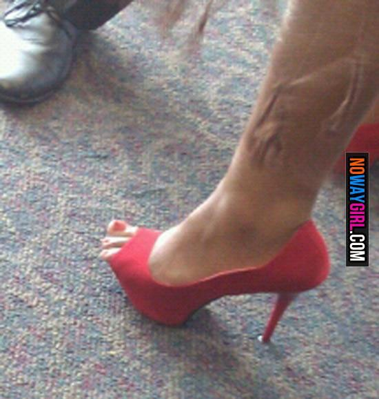 these-toes-aint-loyal-11-550x578