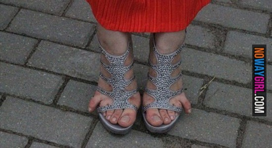 these-toes-aint-loyal-15-550x299